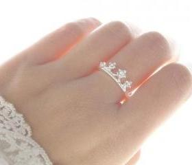 Delicate Rhinestones Crown Ring (2 Colors!)