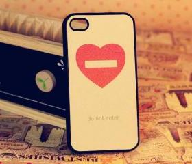 Do Not Enter My Heart iPhone 4/4S Case